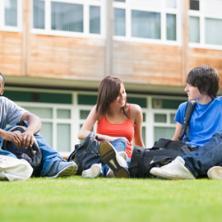 美国大学学期制安排与放假时间